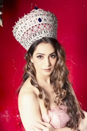 Ruby Arora leaves for Mrs Universe Pageant in China
