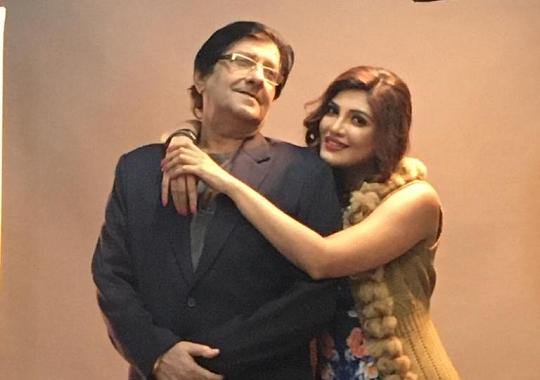 Hindi Film Miss Masala Dosa Actress Lavina Israni Making Dosas At Home For The Neighbouring Needy People