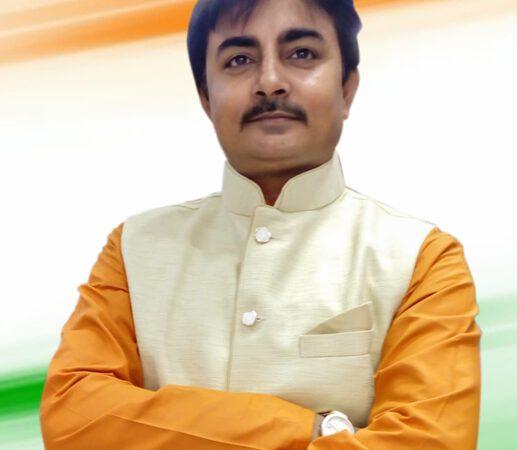 Vijay Bhardwaj Starts The Drive To Clean Hindon River Under PM's Gandagi Choro Bharat Campaign
