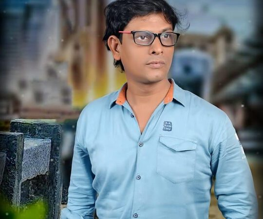 Abdul Karim Sheikh to make his directorial debut with The Android Phone