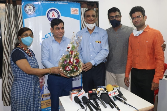Dr  Dharmendra Kumar Launches A Unique Health Project Doctors 365
