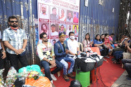 KALYANJI JANA'S BHANDARA FOR THE ARTISTES WORKERS  OF BOLLYWOOD FOR THE FIRST TIME IN BOLLYWOOD HISTORY
