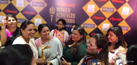 Shabnam Parveen  Co-founder Of Nexcinema Conferred With The Award  Of Lokmat Women Achievers of Mumbai 2021